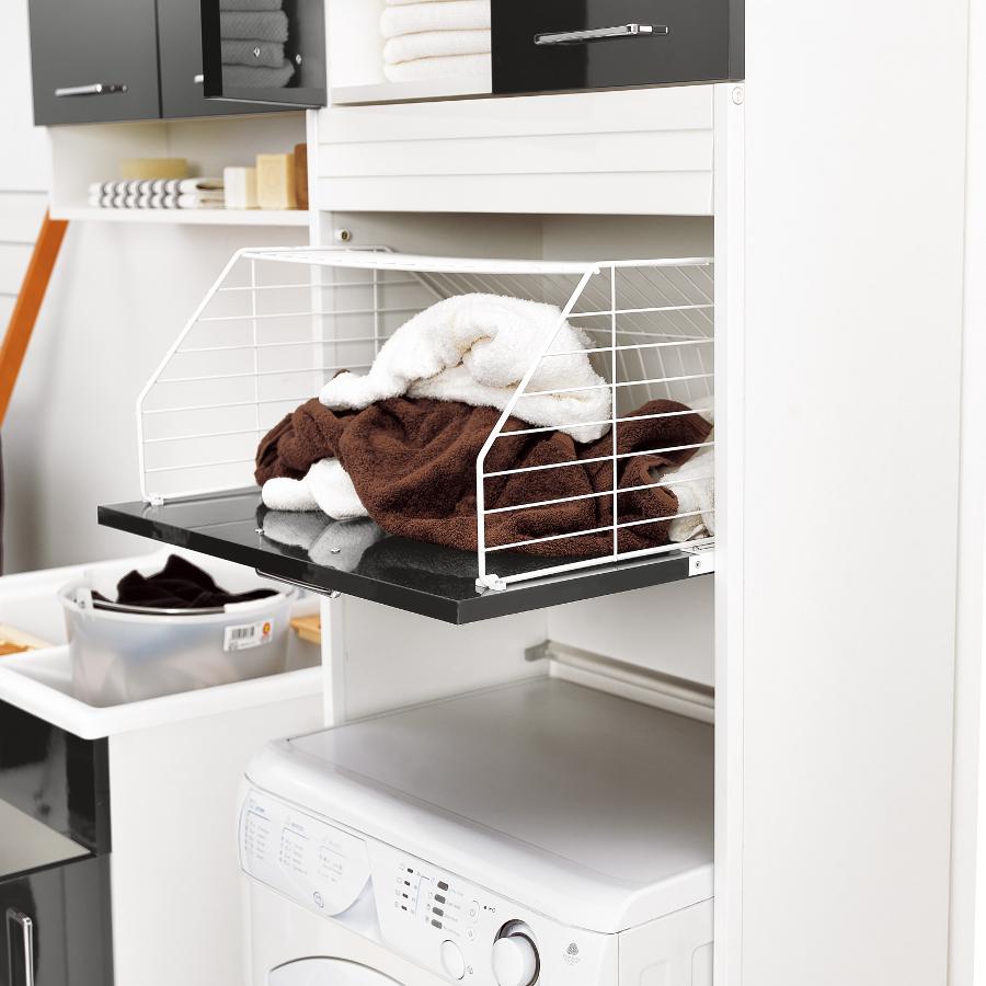 Colonna lavanderia con spazio lavatrice e cesto portabiancheria Brava