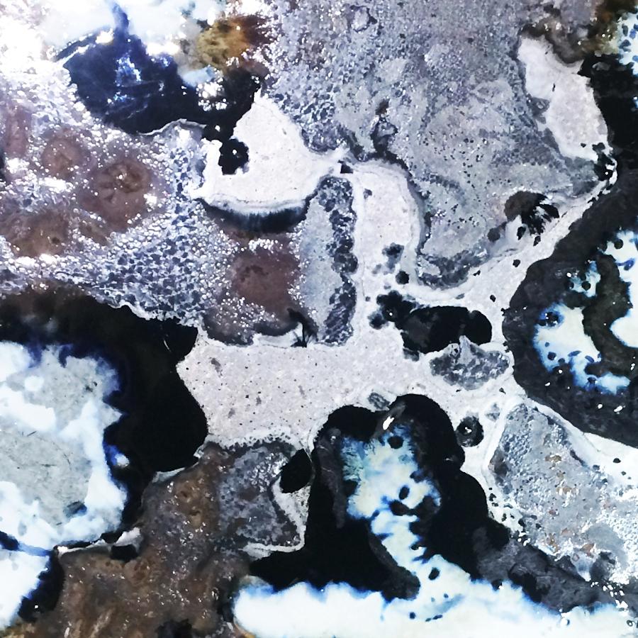 Tavolo moderno in legno e lava incassata Life Highlands